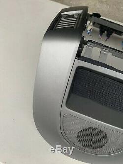 04 05 06 Nissan Armada Titan Radio Lecteur Bezel Climatisation Avec Haut-parleur Oem
