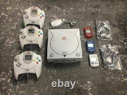 Sega Dreamcast Console Bundle Comprend Des Contrôleurs, Des Jeux Et Des Modules De Mémoire